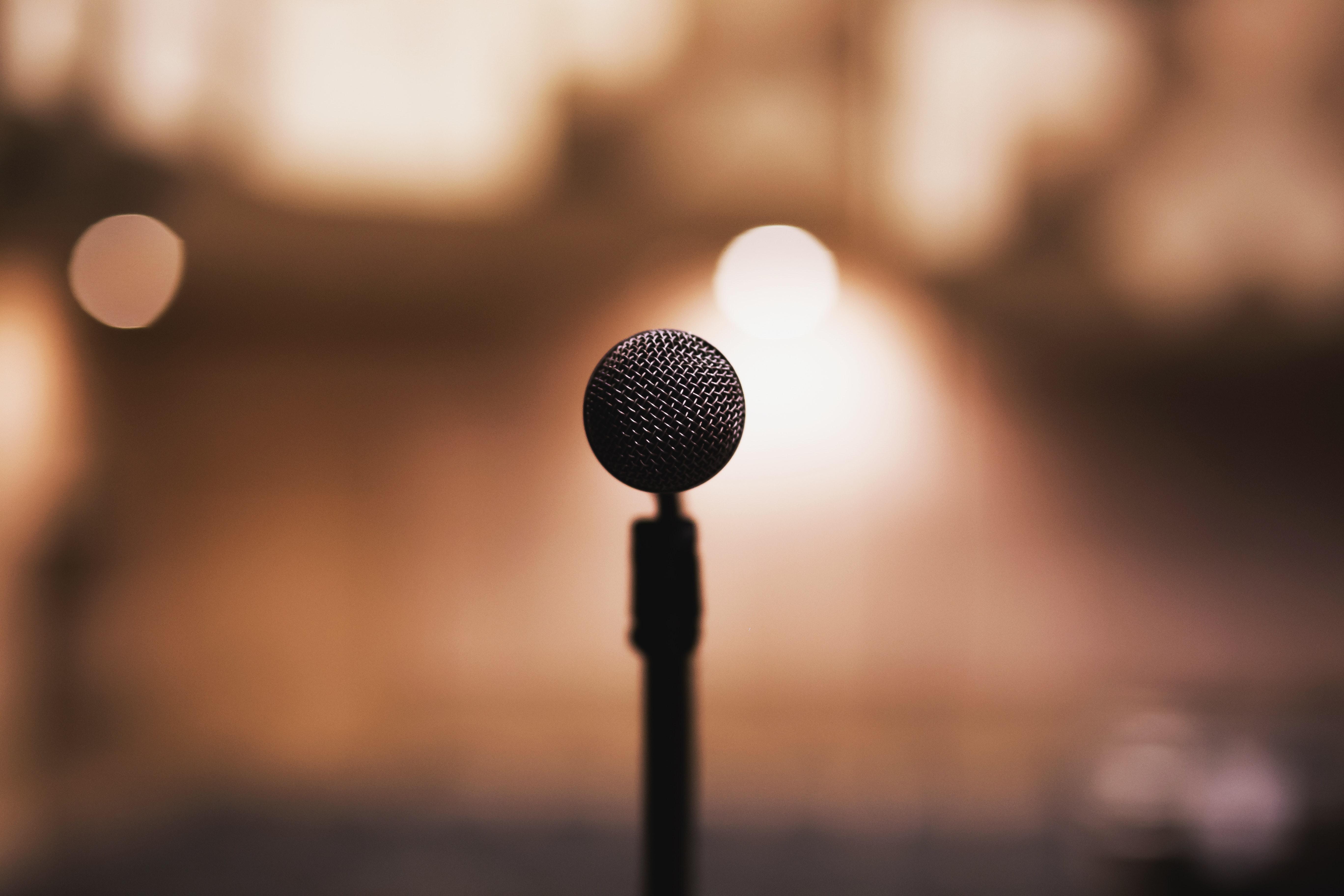Hyperabondance et excès de vitesse… la vérité journalistique existe-t-elle encore?