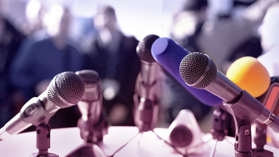 Mot de notre directeur | Informer, témoigner et créer du sens!